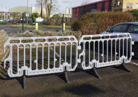 Crowd & Safety Barriers – HDPE easy to handle