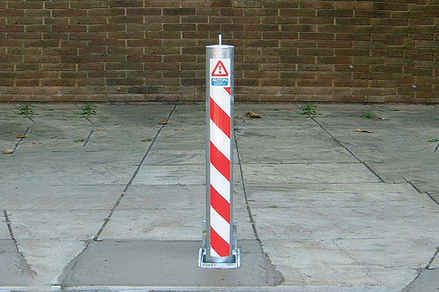 Telescopic Retractable Parking Post - 745mm