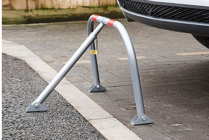 Afolding steel parking barriers 6