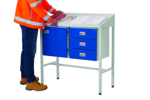 Workstations - Designed for supervisors or line managers - Fully welded steel frame